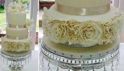 http://calpeonline24.com/images/bakerella_wedding_cake_6.jpg
